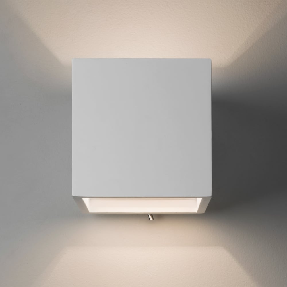 Pienza 140 Switched White Plaster Wall Light