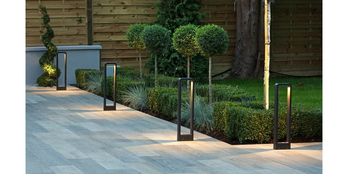 LED Napier 650 Bollard Light in Black